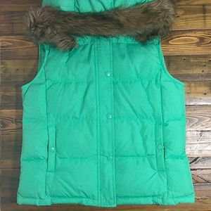 GAP green quilted down puffer vest with hood